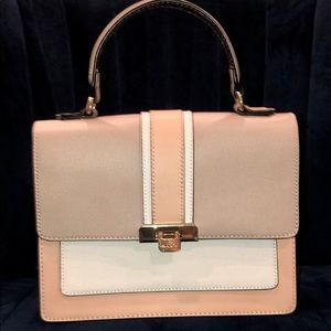 ALDO Bag w/adjustable strap